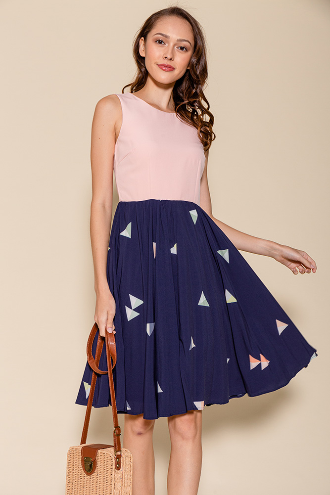 Yvetta Polygon Abstract Pleated Dress (Pink)