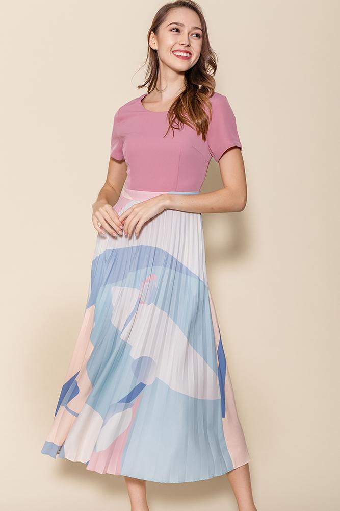 Isabella Artsy Pleated Midi Dress (Rose Pink)