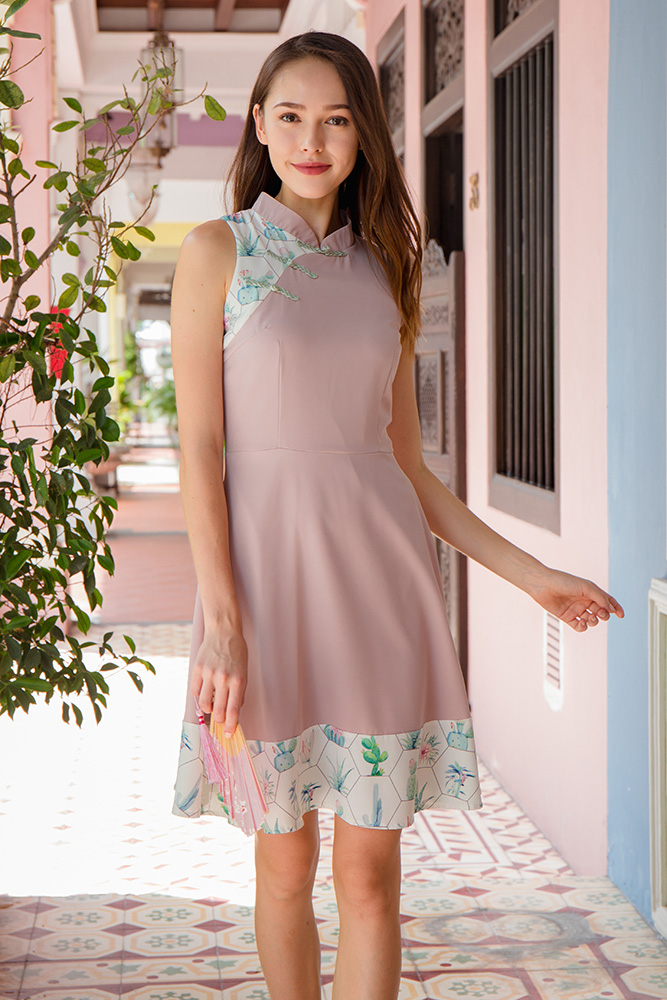 Blooming Bliss Cheongsam Dress (Quartz Pink)