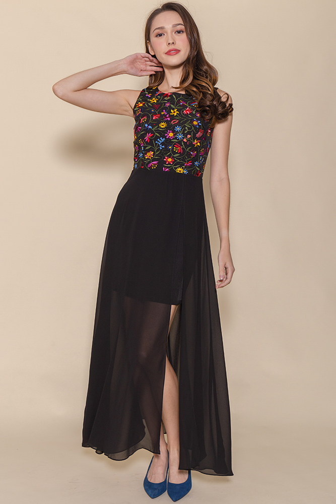 Anastasia Embroidery Maxi Dress (Black)