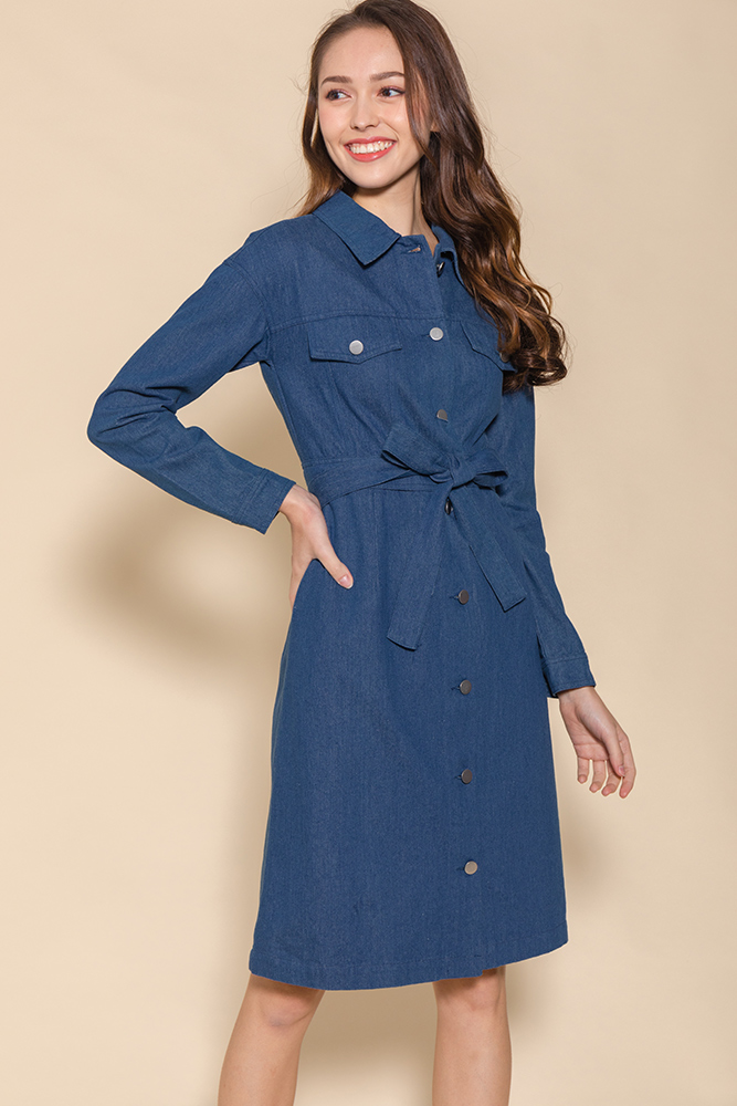 Penelope Convertible Denim Dress (Light Wash)
