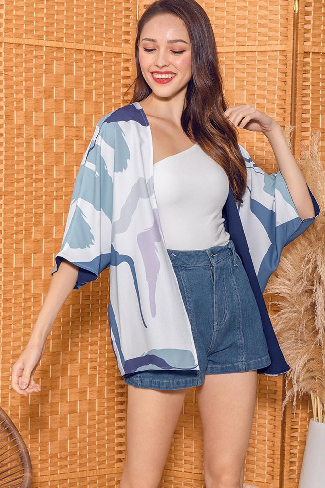 Hypatia Artsy Reversible Kimono Jacket (White/Navy)