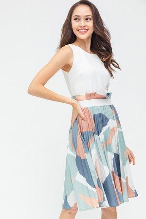 *PREORDER* Modern Inspiration Pleated Dress (White)