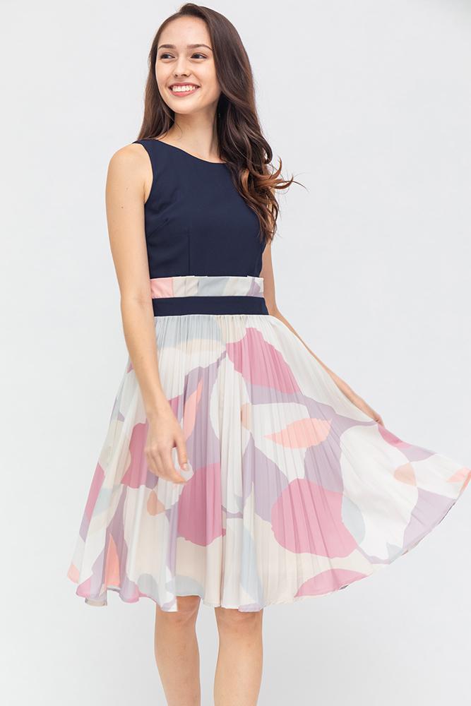 Modern Inspiration Pleated Dress (Navy)