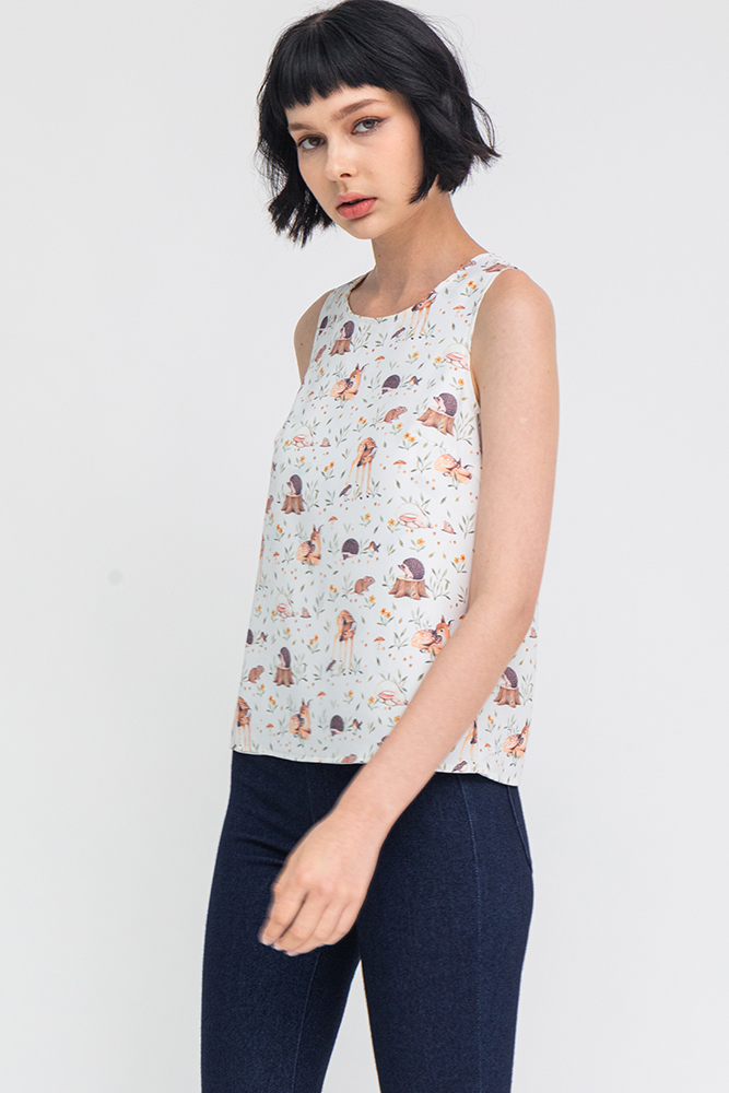Friends Of The Woods Reversible Top W Fabric Mask (White)