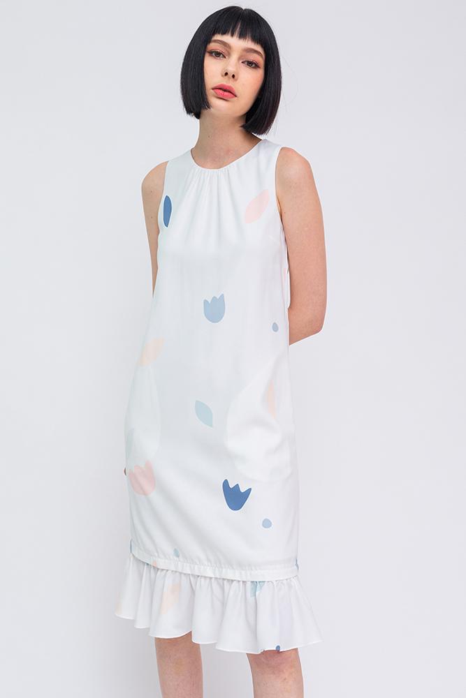A Medley of Shapes Flounce Dress (White Faint Prints)