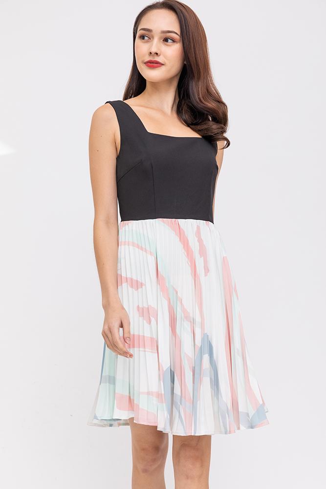 Aurelia Pleated Swing Dress (Black)